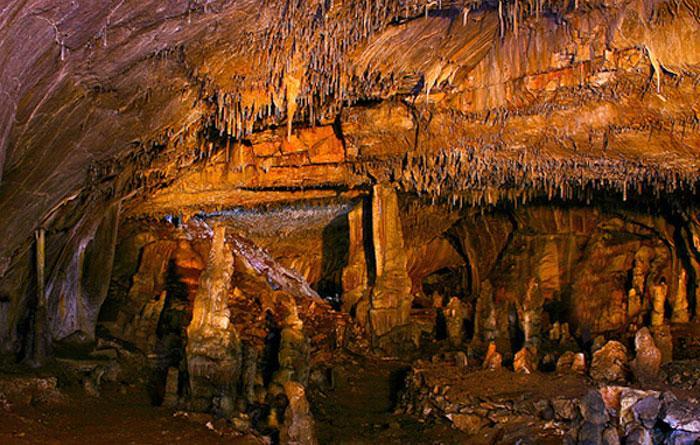 grotta-pilastri