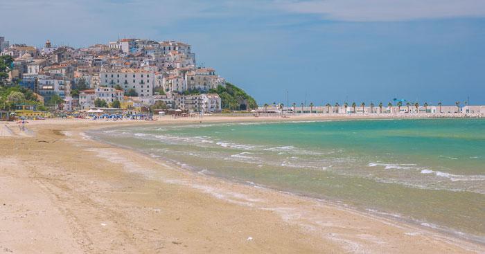 spiaggia levante di rodi garganico
