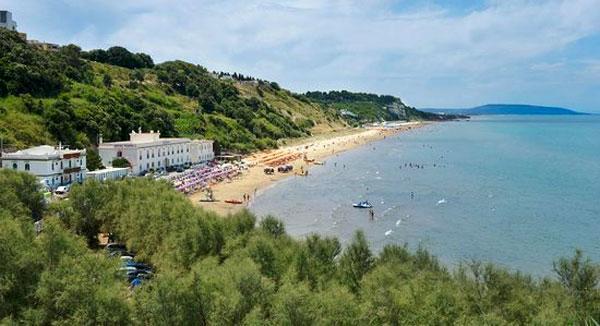 spiaggia ponente di rodi garganico