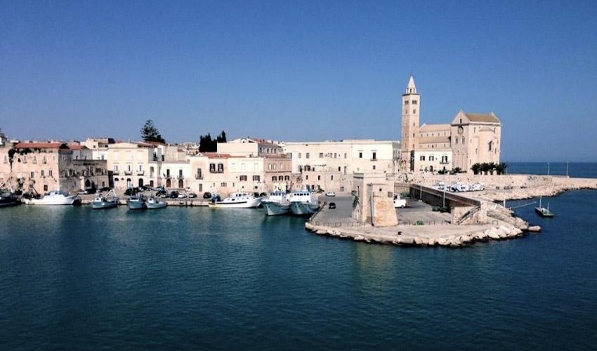 Visitare Trani, la perla dell'Adriatico