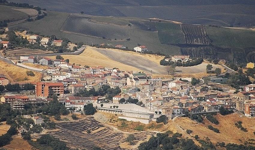 Visitare Castelluccio Valmaggiore, cosa vedere e cosa fare